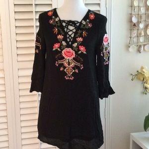 🌸Beautifully embroidered BohoStyle Dress UO-Umgee